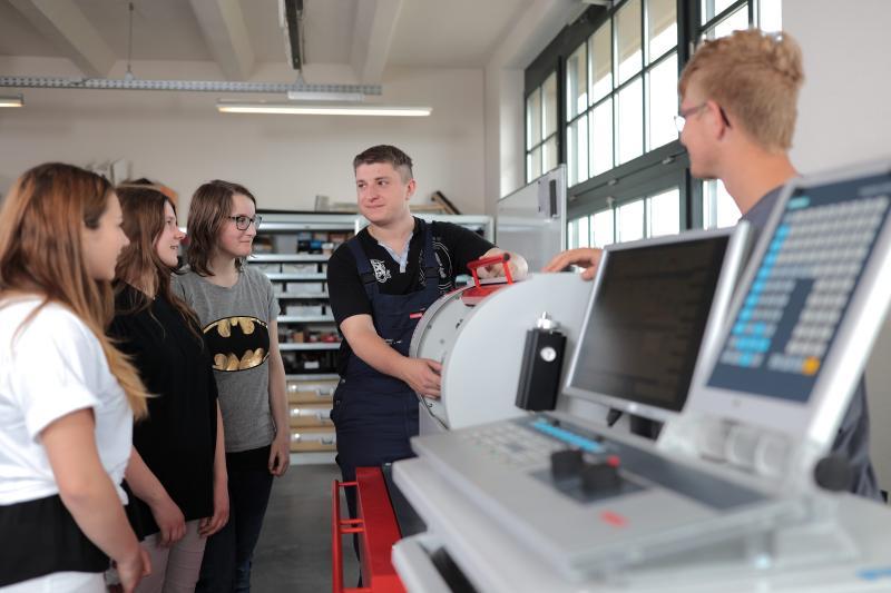 Moderne Technologien – moderne Industriekultur: die Techniklernwelten in der VDI – GaraGe« – Information und Mitmachangebote