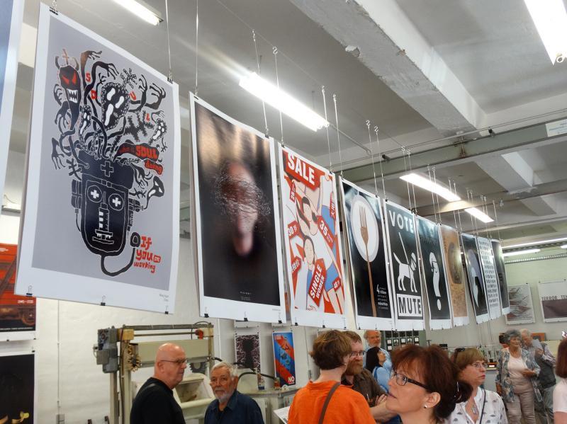 Führung zur Plakatausstellung »Internationale Plakate zur Gegenwart«