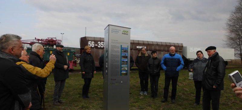 Führung durch das Industriegebiet Böhlen-Lippendorf auf dem Industriekulturerlebnispfad IKEP mit einem Oldtimer-Bus