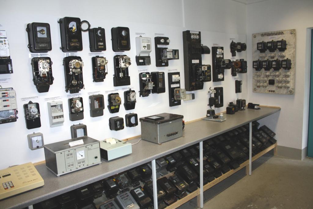 Führungen durch die 14 Ausstellungskomplexe der Elektrotechnischen Sammlung des VDE