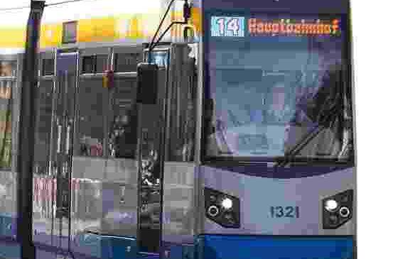 Industrie|Kultur per Straßenbahn – Moderierte Rundfahrt mit der Linie 14 – 25.08., 12.10 Uhr