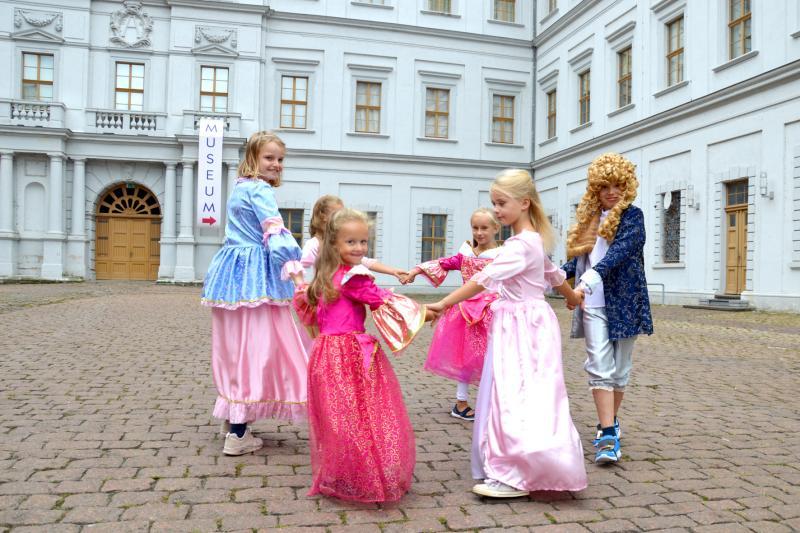 Mitmachprogramm für Kinder und Erwachsene: Schokoladenmärchen im Schloss Neu-Augustusburg