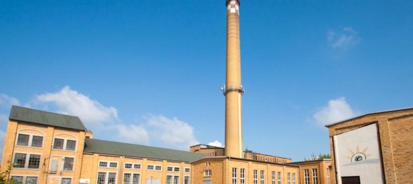 """Führung am Altindustriestandort Brikettfabrik Witznitz – Wohnsiedlung """"Grüne Harfe"""""""