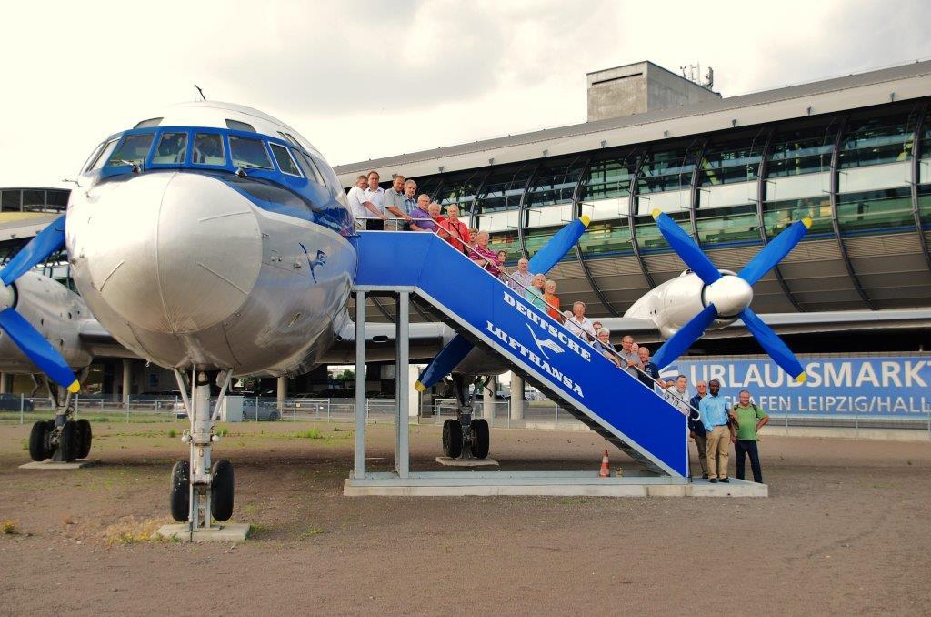 """Vortrag: """"Steigen Sie in die IL-18 ein und fliegen Sie mit uns durch die Zeit"""" mit anschließender Besichtigung der IL-18"""