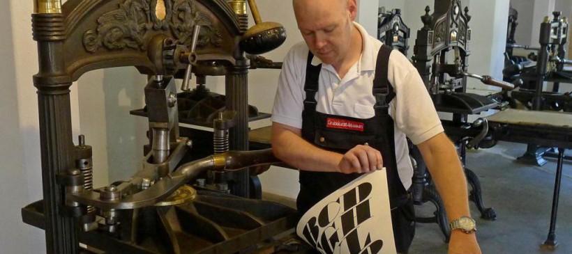 Führungen durch die Sammlung mit Maschinen-Vorführungen im Museum für Druckkunst