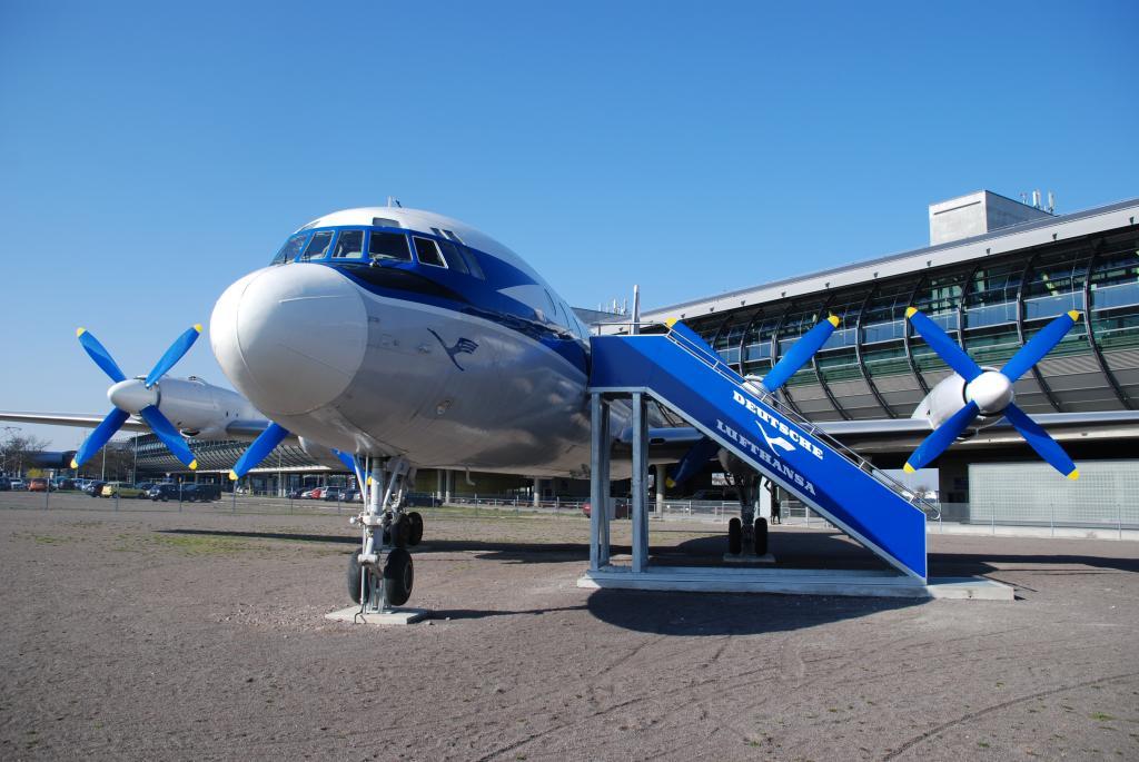 Vortrag zur Geschichte des Flughafens Leipzig/Halle sowie Besichtigung der Iljuschin 18